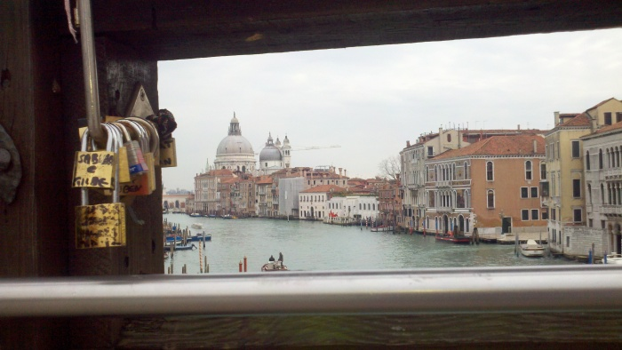 A perspective from the Rialto Bridge...in search of the keys.