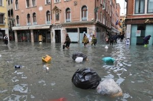 Flooding and garbage.  Source:  Radarspot Blog.